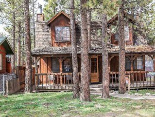 Birdie Cabin~Full Kitchen~Fenced Yard~Nicely Furnished With Mountain Decor~