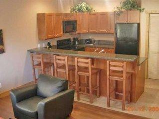 2 Bedroom Luxury Condo in Lake Front Resort