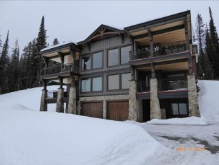 Excellent Ski-in/Ski-out Four Bedroom Duplex on t
