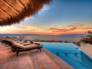 Hillside ocean view Casa Galeana with heated infi