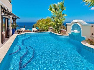 NEW - Beachfront Villa for 8 Guests, Pool, Cook S