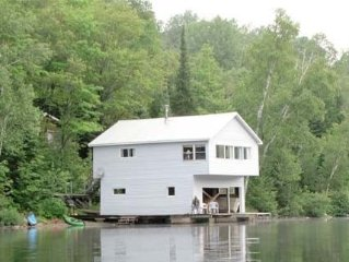 The Boat House - 2 Bedroom Waterfront cottage