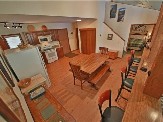 Mountainside 9: 1.5 BR / 3 BA condo in Granby, Sleeps 8