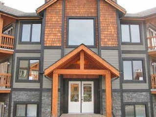 Alpine Style 2 Bedroom 2 Bathroom Condo in Radium