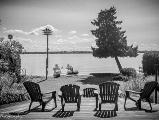 Leaning Tree Cottage - Lake Couchiching - Simcoe,