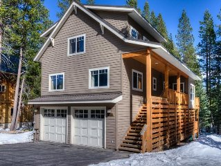'Sugar House' Discover luxury just off the lake. Canoe & 2 Kayaks