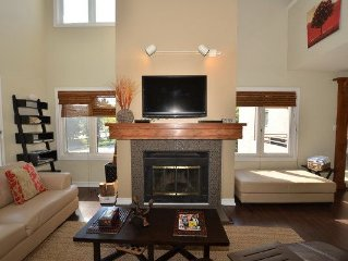 Exquisite, Modern Three Bedroom Condo At Mountain