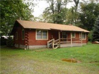 0325 JOYCE: 0 BR / 2 BA two bedroom log cabin in MAGGIE VALLEY, Sleeps 6