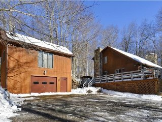 Relaxed and roomy this charming cabin is pet-friendly and affordable too!!