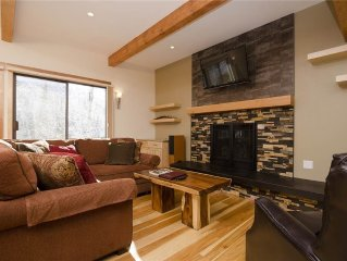 SLOPESIDE! - Modern & bright with many bedding options! Ski access via trail!