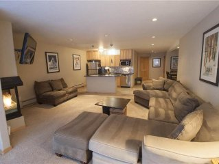 Ski-in/Out luxurious large condo with extra bath. Complimentary WiFi, parking an