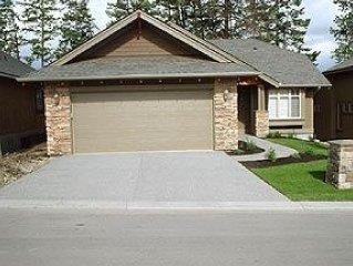 Predator Ridge. This rental property is located i