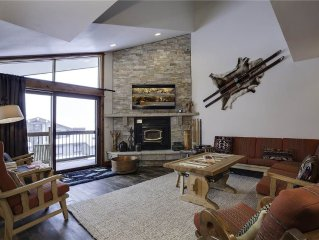 4 bedrooms ~ quiet location, pool, hot tubs, other great amenities ~ private sh
