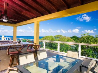Beachfront 3 bedroom penthouse with amazing private rooftop sky lounge