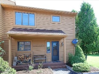 Affordable meets easy access and amazing amenities!!