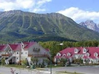 Riverside Mountain Chalet