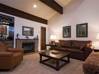 Lots of Space, Near the Ski Area, Great Value Even During Peak Seasons!
