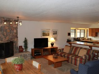 Clean 3 bedroom in Frisco with garage, fireplace, & clubhouse access