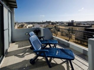 Lovely Duplex 3-bedroom pth with terrace