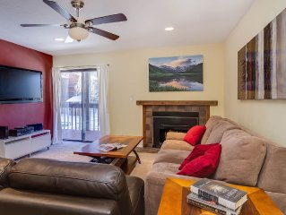 MT267D Inviting Condo with Fireplace, Clubhouse, Wifi, and Covered Parking