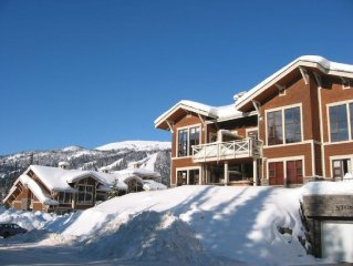 Ski In/Ski Out!!  2 BDR/2BA Condo!  Comfortable a