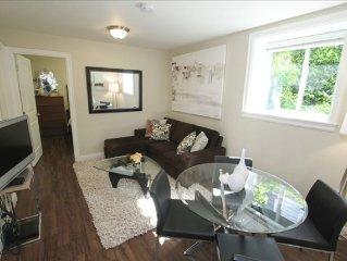 Cozy 2 Bedroom Suite Walking Distance to 100's of