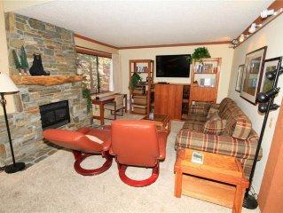 Mammoth Ski & Racquet Club #119, 1 Bedroom + Loft, 2 Full Bathrooms. Pet Friendl