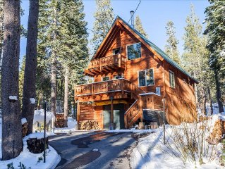 'Amity Cabin' A Peaceful Forest Setting for Friends and Family