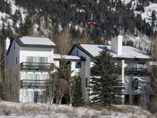 2.5bd/2ba Four Seasons 1 3: 2.5 BR / 2 BA condominiums in Teton Village, Sleeps