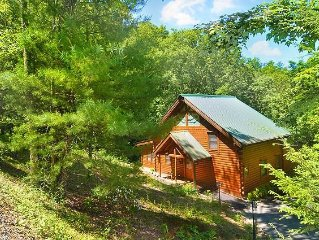 Hoot 'n Hollar #31 - Scenic 4 bedroom with large