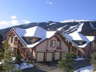 Centrally Located Townhouse Ski in Ski with Gorge