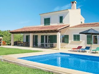 Modern, spacious villa with all modern amenities and a pool, close to various a