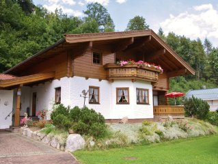 Well-maintained apartment at the edge of a cosy village with view of the mounta