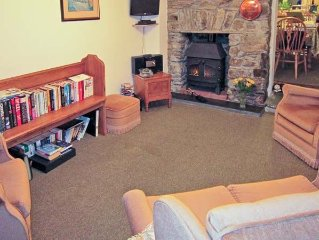 PRIMROSE COTTAGE, family friendly in Tavistock, Ref 11584
