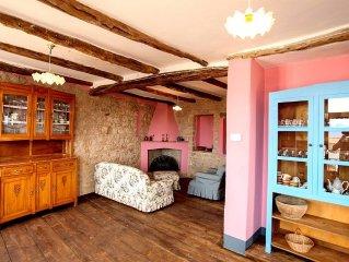 Casa Bardila e una caratteristica e accogliente casa indipendente su tre piani,