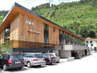 Cozy Apartment in Neukirchen am Großvenediger with Sauna