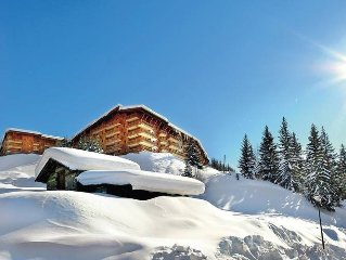 Comfortable apartments with wellness centre in Paradiski and situated in a fore