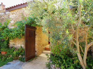 Cosy little house in an historic village in the Dordogne near points of interest