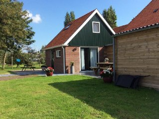Beautiful cottage within walking distance of IJsselmeer, beach and water sports