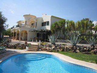 Detached villa with private swimming pool, just outside São Brás de Alportel.
