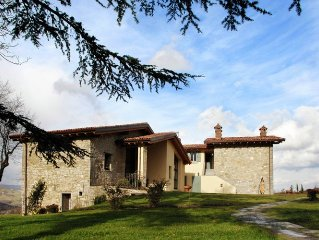 Former farmhouse in the Apennines with private swimming pool, near ski slopes.