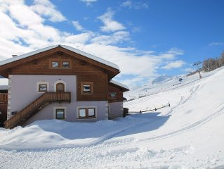 The house is just a few steps from the center of Livigno and on the slopes, Wifi