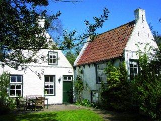 Sunlit Cottage near Sea in Nes