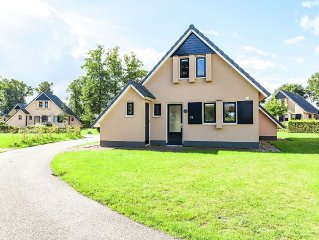 Complete holiday home with shared facilities, amidst lovely Frisian surroundings