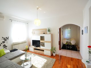 Two bedroom apartment with private parking in the