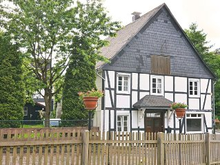 Detached holiday home in the Sauerland region - fenced-in garden with garden fu