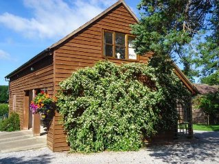 THE COACH HOUSE, country holiday cottage in Newent, Ref 914262