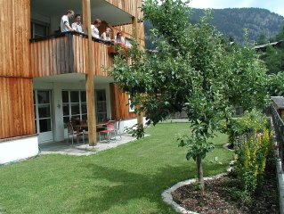 Quietly located, well maintained and modern holiday residence on the first floor