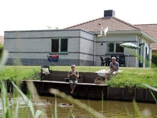 Detached house with sauna and whirlpool, 19 km. from Hoorn