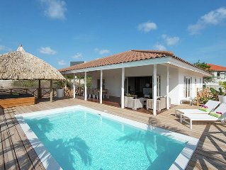 Beautiful villa with private pool within walking distance of Jan Thiel Beach on